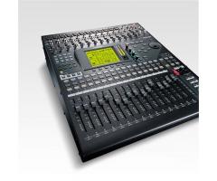 Yamaha 01V96i Цифровая микшерная консоль фото 1